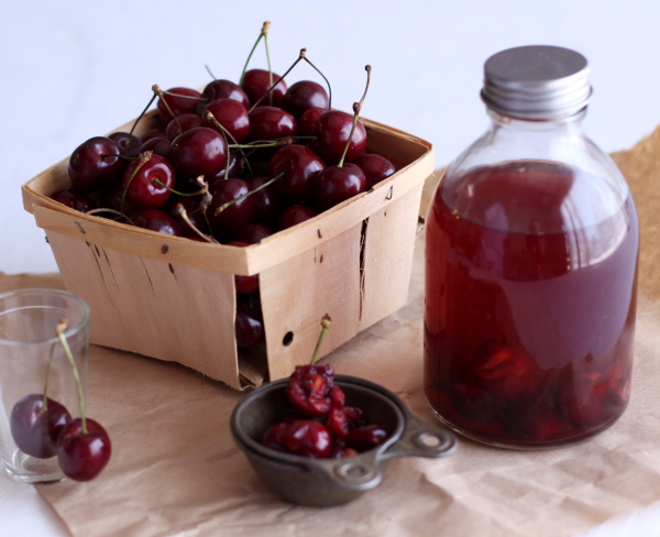 Bourbon-Soaked Cherries – Food Woolf