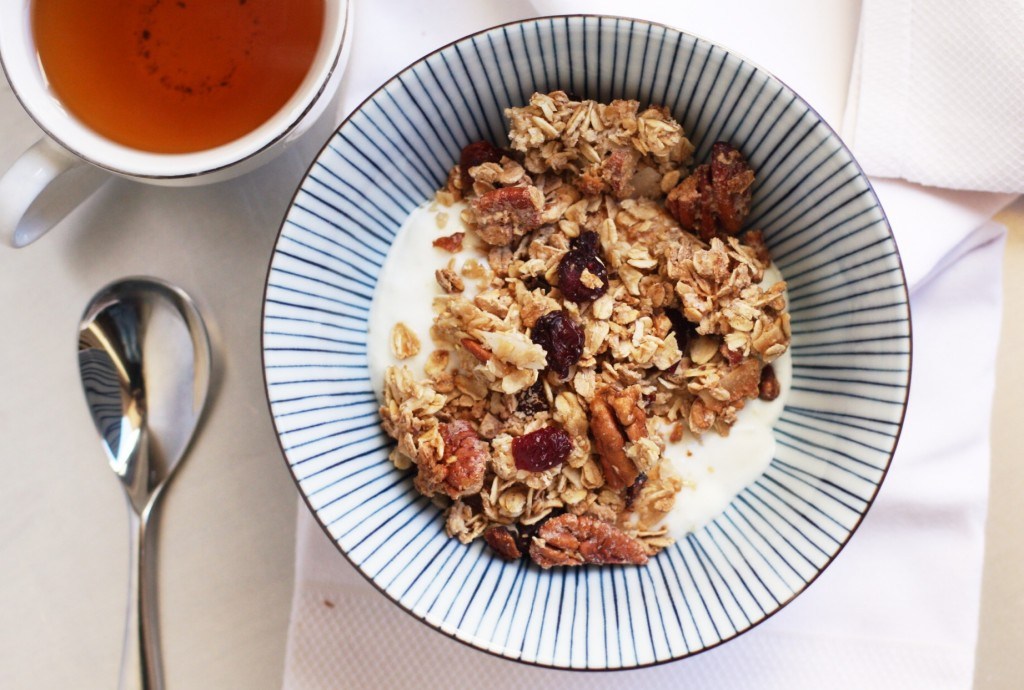 deliciously organic pecan coconut cherry granola